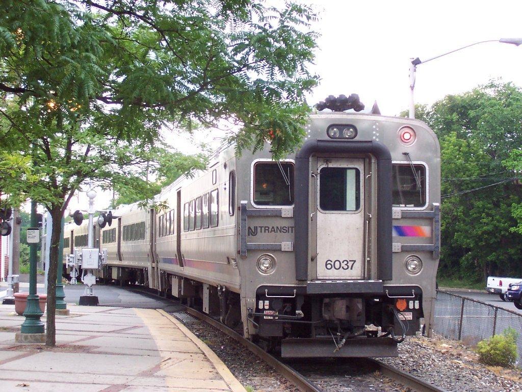 NJ_Transit_Comet_V_6037